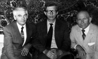 В.А. Нестеров (слева), В.С. Рягузов, С.В. Коркунов (справа)