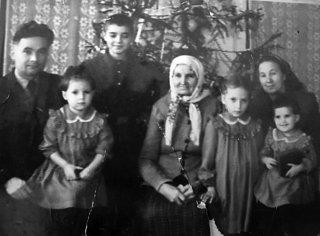 Как и я, Валя была пятым ребенком в семье